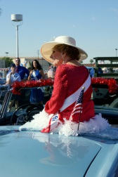 Joan Waits waits to ride in Phoenix's annual Veterans Day Parade November 12, 2010. (Photo/Kendra Yost)