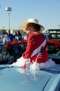 Joan Waits waits to ride in Phoenix's annual Veterans Day Parade November 12, 2010. (Photo/Kendra Yost)